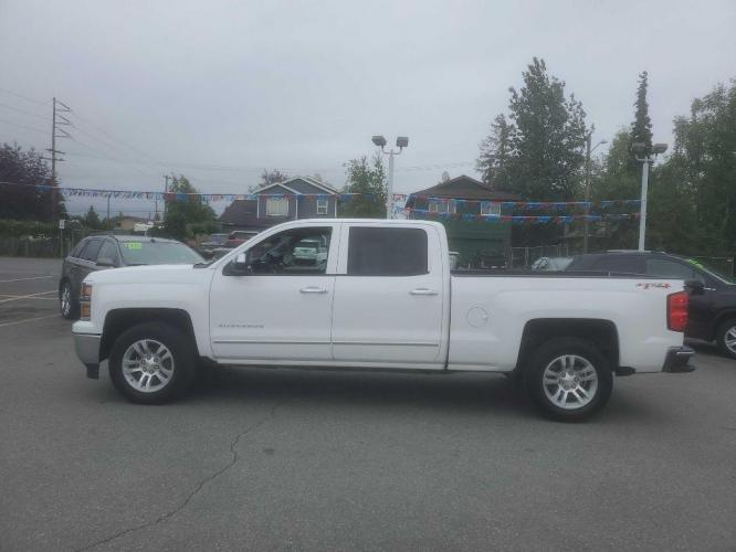 2014 WHITE CHEVROLET SILVERADO 1500 C/C LTZ (3GCUKSEC7EG) with an 5.3L engine, Automatic transmission, located at 929 East 8th Ave, Anchorage, 99501, (907) 274-2277, 61.214783, -149.866074 - Photo #4
