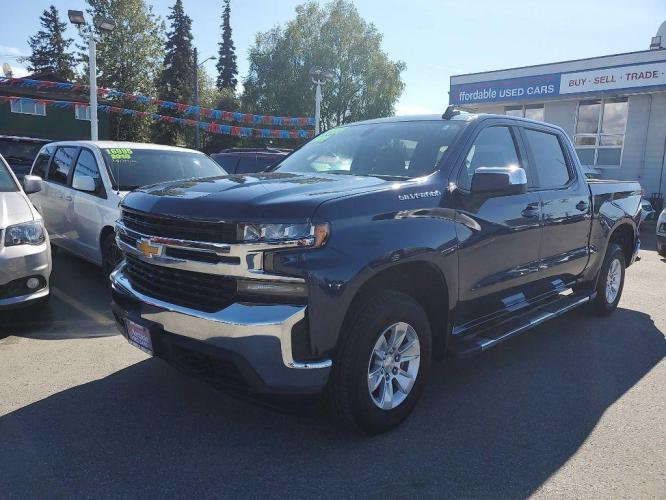 2019 BLUE CHEVROLET SILVERADO 1500 LT (3GCUYDED0KG) with an 5.3L engine, Automatic transmission, located at 929 East 8th Ave, Anchorage, 99501, (907) 274-2277, 61.214783, -149.866074 - Photo #0