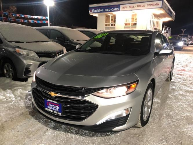 2019 SILVER CHEVROLET MALIBU LT LT (1G1ZD5STXKF) with an 1.5L engine, Continuously Variable transmission, located at 929 East 8th Ave, Anchorage, 99501, (907) 274-2277, 61.214783, -149.866074 - Photo #0